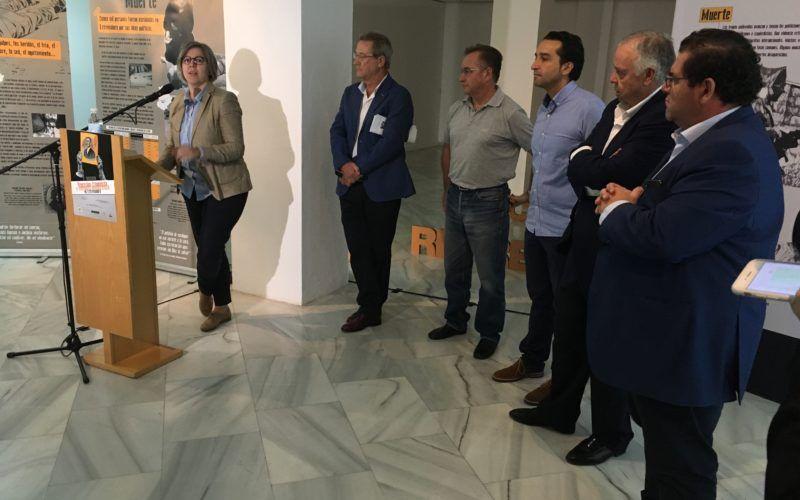 La consejera de Cultura e Igualdad, Leire Iglesias, durante la inauguración en Badajoz
