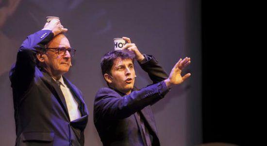 Carlos Pajuelo (izda.) y Jorge Luengo (dcha.) en un momento de la gala.