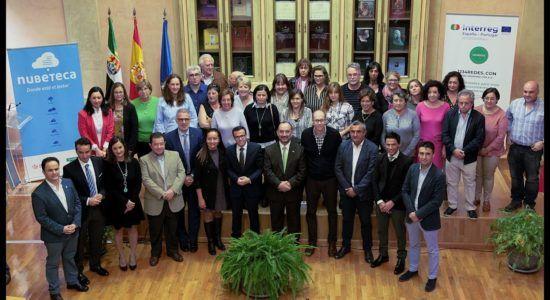Firma de los convenios entre la Diputación de Badajoz y los ayuntamientos